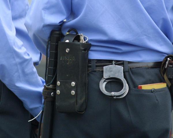 Милиция, наручники