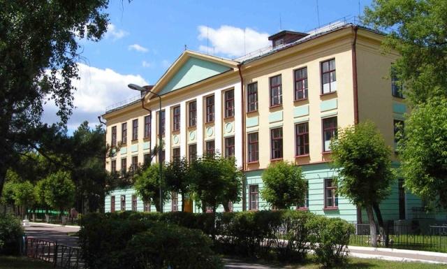 Сосновоборская средняя школа Сосновый Бор, здание