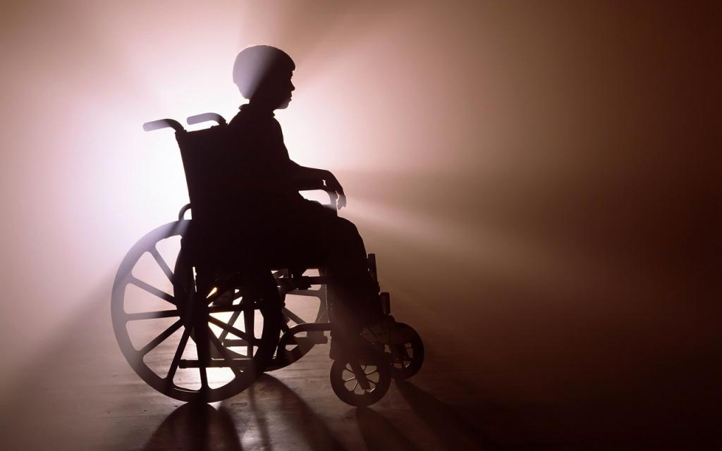 Инвалид в коляске, человек