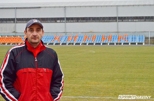 Грузинский тренер вратарей футбольного клуба Химика Автандил Лабадзе