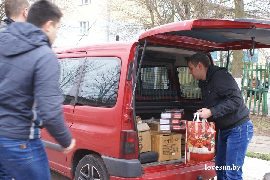 2014.04.04 благотворительная акция светлогорского автоканала , подарки
