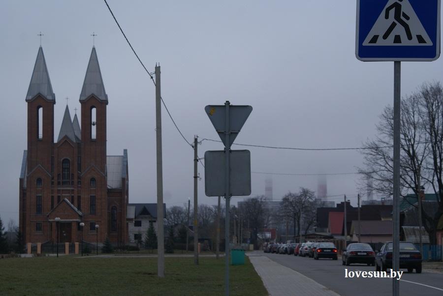 2014.04.04 благотворительная акция светлогорского автоканала , костёл колонна