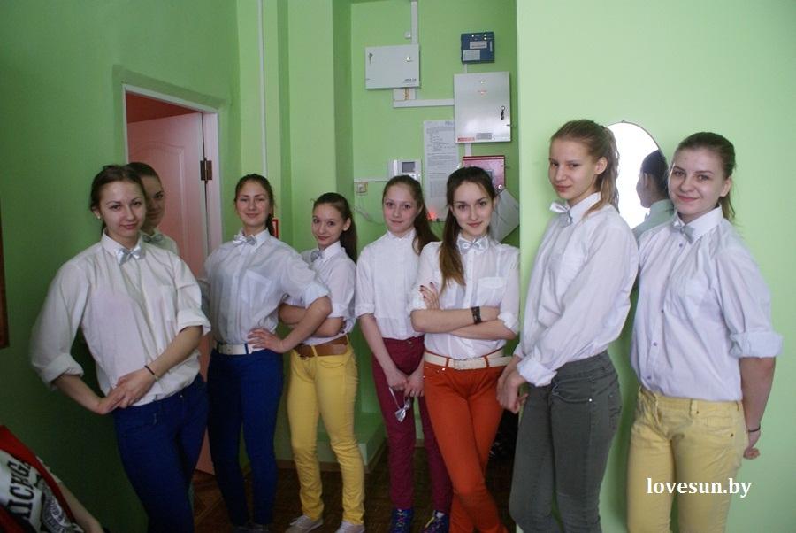 2014.04.04 благотворительная акция светлогорского автоканала , девочки