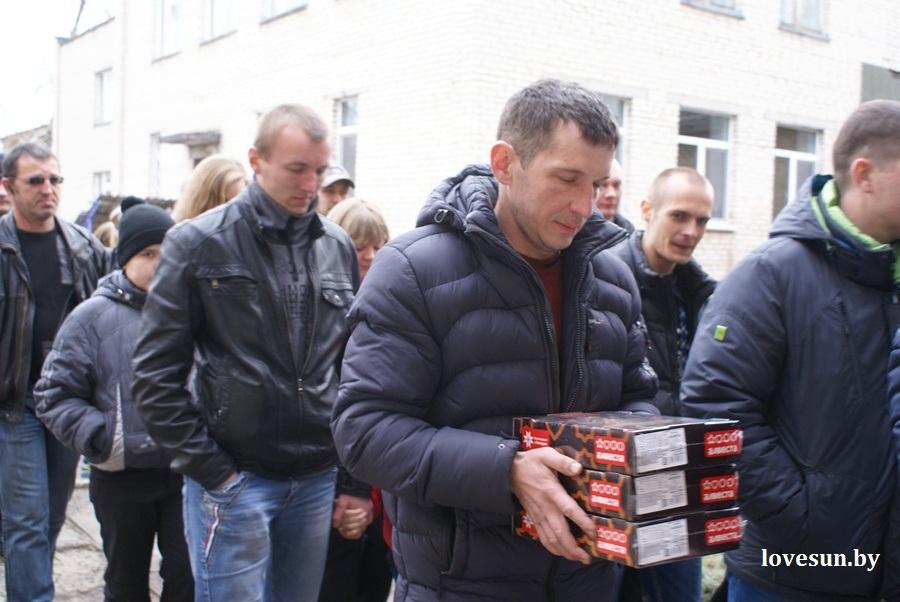 2014.04.04 благотворительная акция светлогорского автоканала , печенье, коробка
