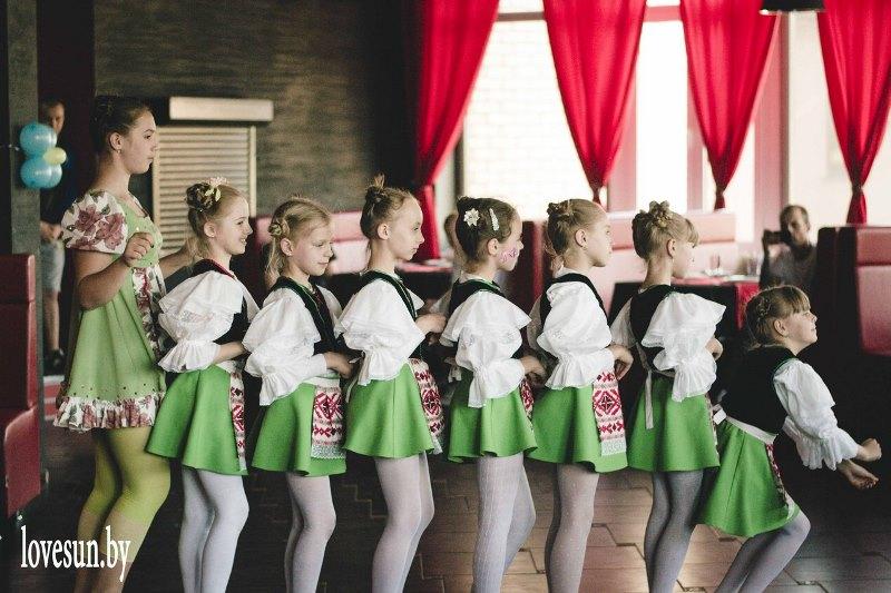Детское мероприятие в Ксарте танцы 3