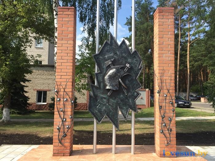 Открытие кованного герба МЧС 24.07.2015