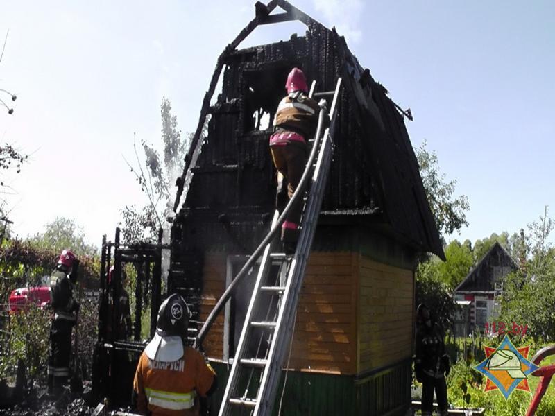пожар мчс дача чирковичи (2)