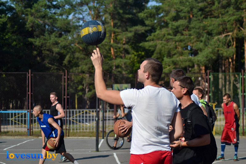 кубок любителей по стритболу 28.08.2015 мяч