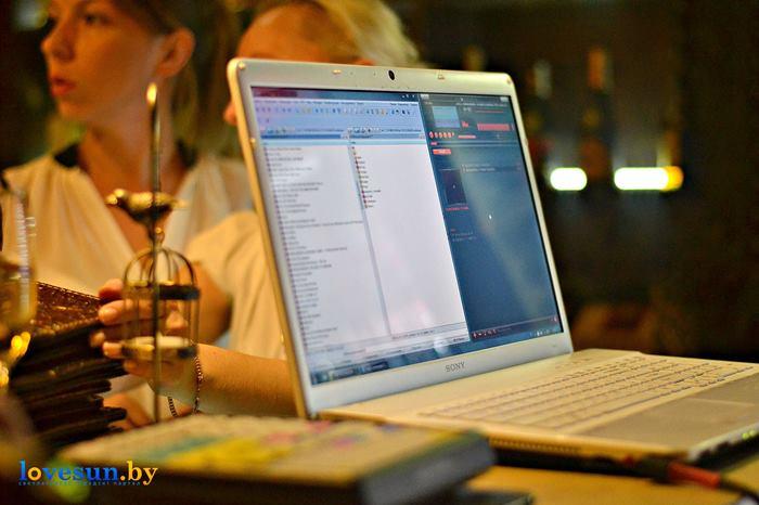 открытие караоке клуба в континенте ноутбук