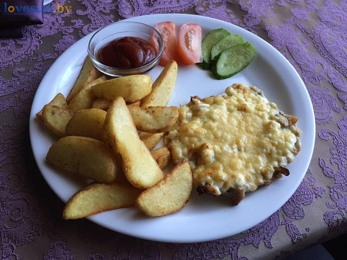 Бар Континент еда, картошка, филеIMG_8524