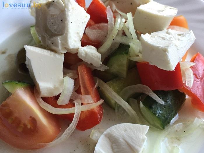 Бар Континент салат греческий