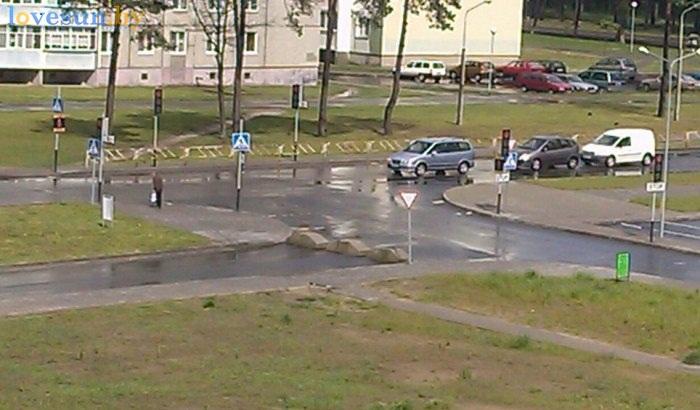 блоки возле евроопта 2 по Шоссейная