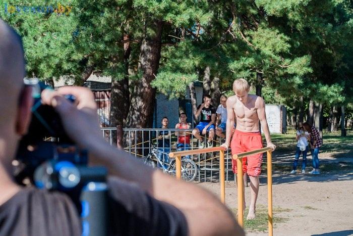 стритбол 2016 брусья атлет снимают