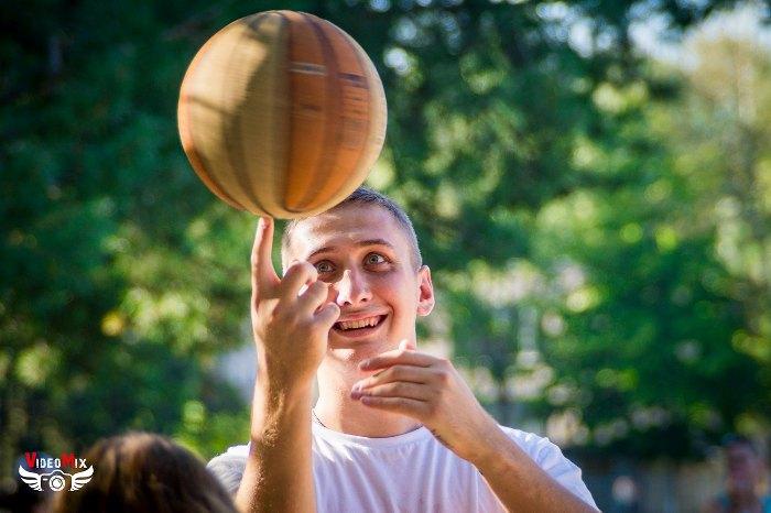 стритбол и воркаут 2016 мяч бурнос