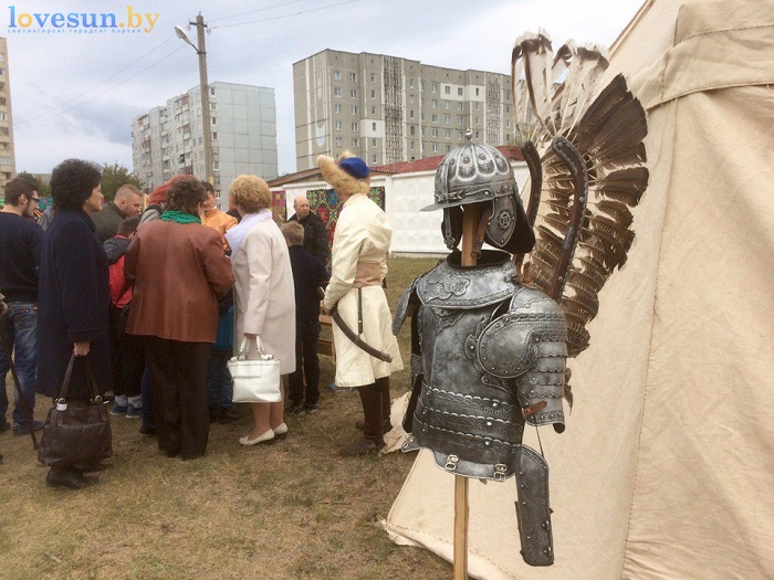 den-goroda-2016-vorkaut-shatilinskiy-ostrov-dospehi-s-kryilyami