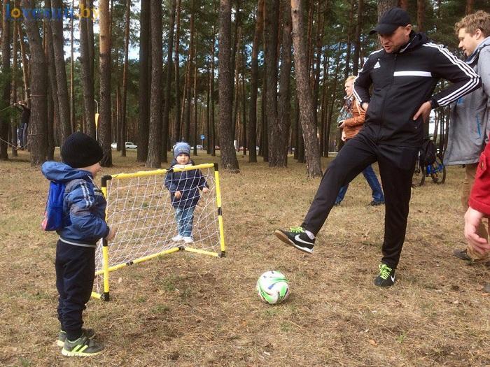 den-goroda-2016-futbol-deti-trener-sport-shkola-yunior