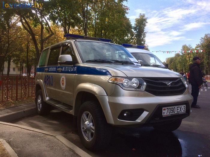 den-goroda-2016-militsiya-avtomobil-uaz-patriot