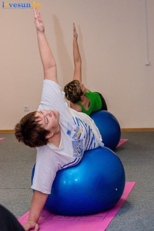 pilates-devushka-sport-4