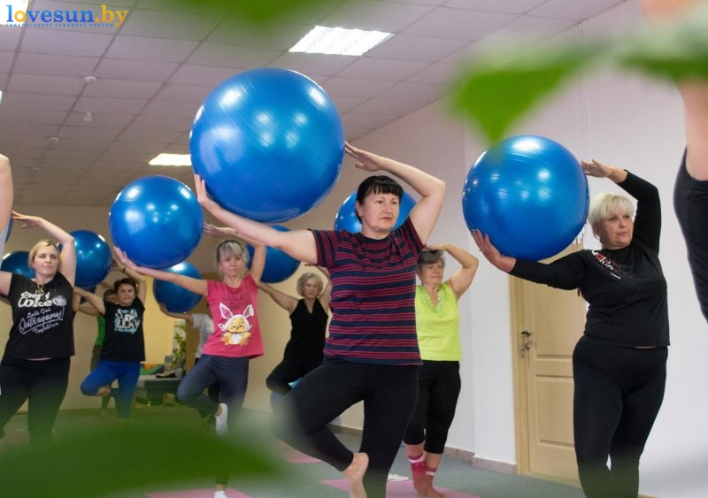 pilates-devushka-sport-7