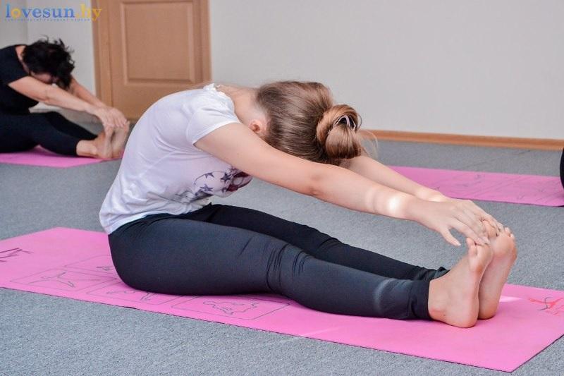 pilates-yoga-devushka-sport-2