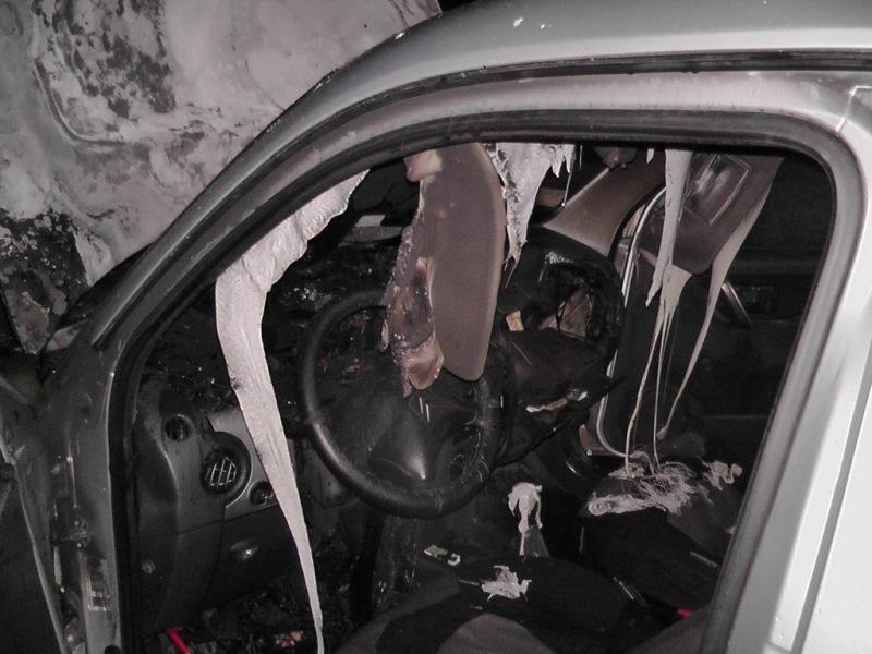 v-medkove-zagorelsya-avtomobil-5