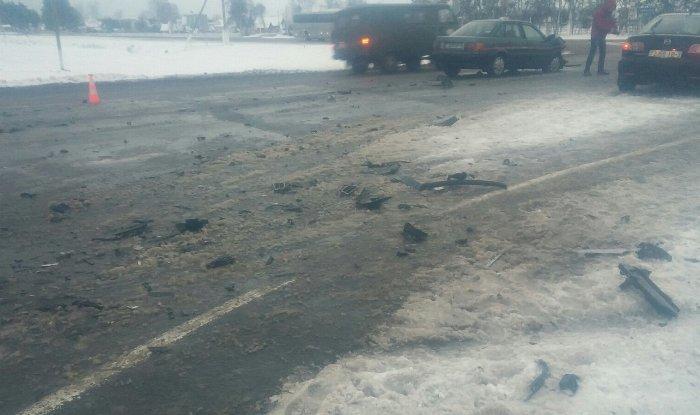 Женщина-автолюбитель спровоцировала тройное ДТП под Речицей
