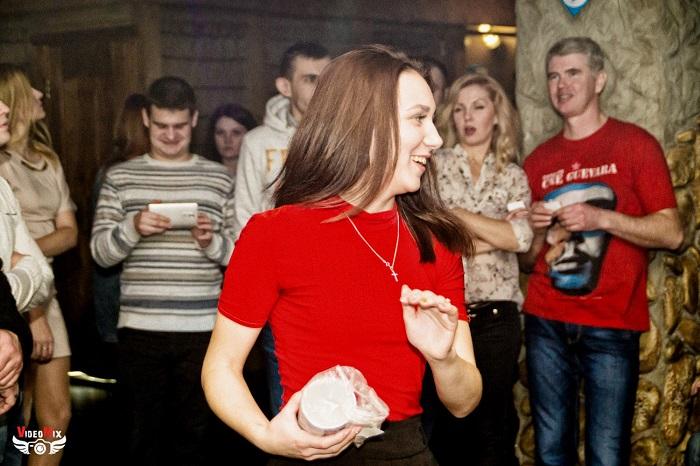вечеринка (дискотека) в честь 15 000 подписчиков марина милтон девушка