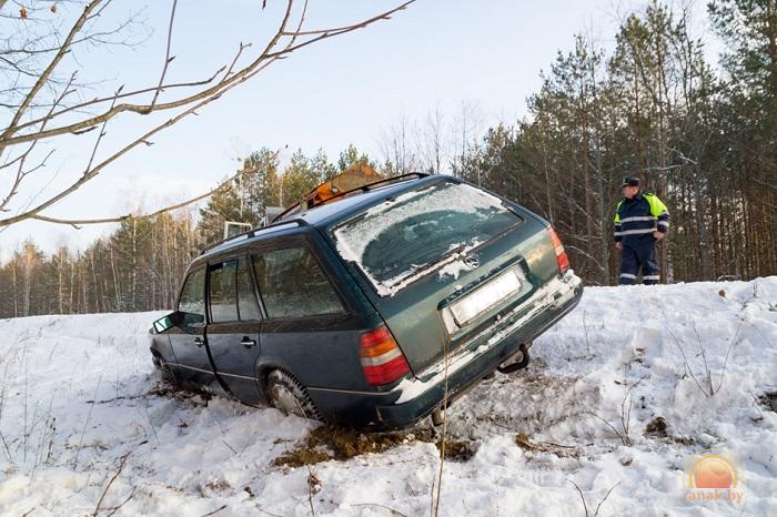 мерседес 124 универсал авто в кювете дтп авария