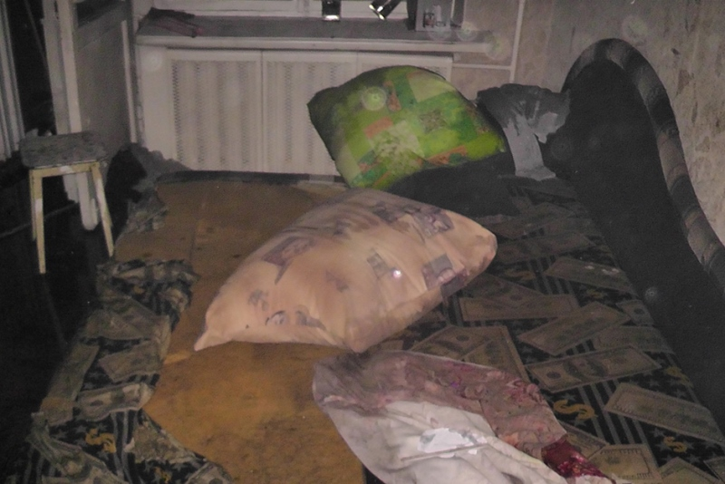 Женщине смаленьким сыном удалось спастись отпожара усоседей благодаря балкону