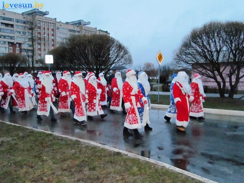 Практически 300 Дедов Морозов иСнегурочек пройдутся торжественным шествием вВиннице