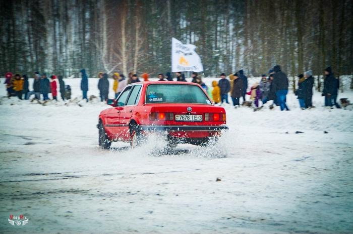 авто горячий лёд 2017 снег БМВ 3 (Е30)