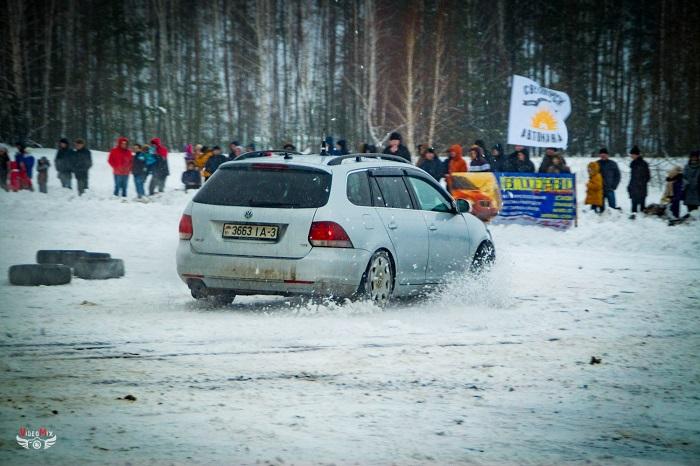 авто горячий лёд 2017 снег Фольсваген гольф