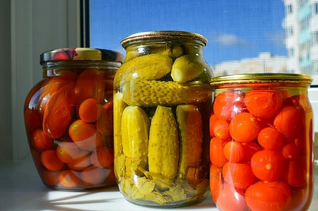 закатки, банка, огурцы помидоры, консервы