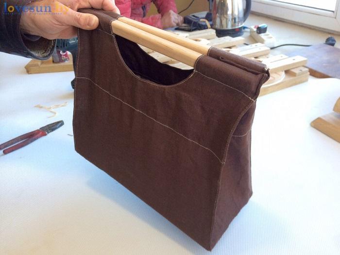 деревянные шлёпанцы для бани в сумочке