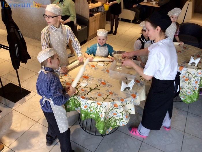 дети в пицца смайл 09.03.17 мастер класс