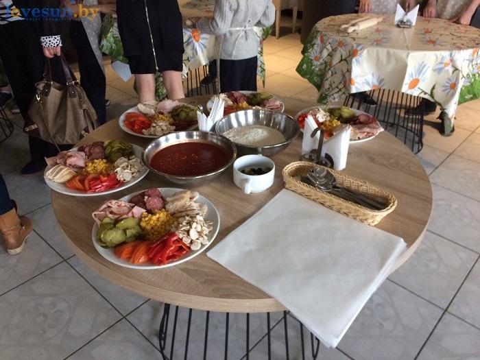 дети в пицца смайл 09.03.17 тарелка еда мясо