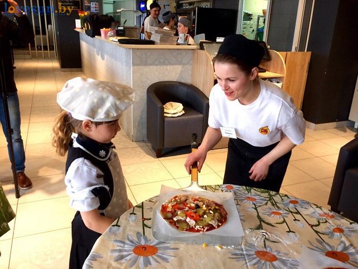 дети в пицца смайл мастер-класс 09.03.17 на лопате