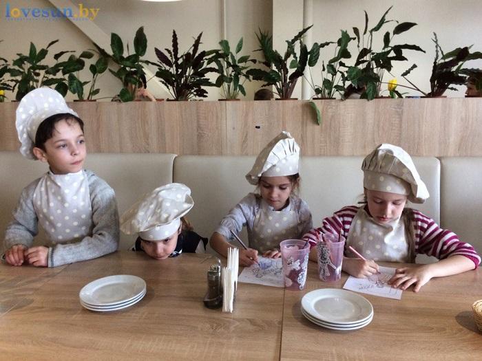 дети в пицца смайл мастер-класс 09.03.17 ждут