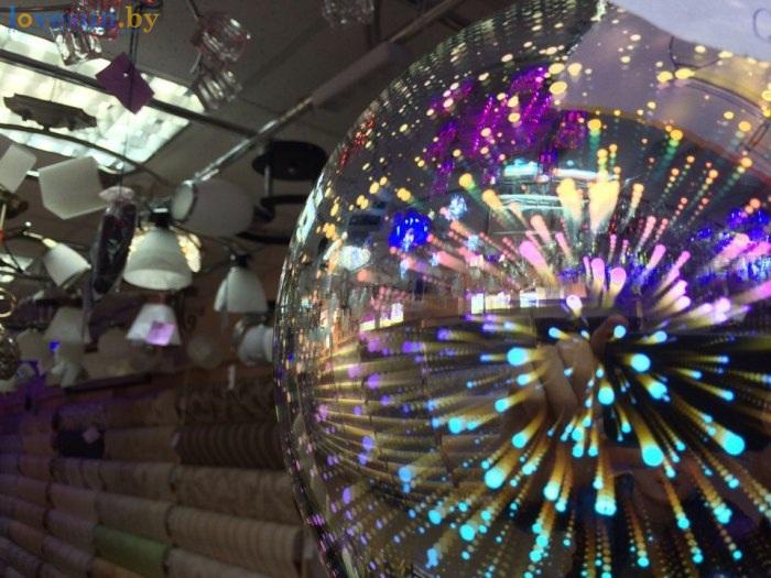 магазин обоев и светильников в гостином дворе светомузыка неон
