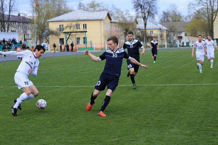 Футбольный матч Химик Луч 15.04.2017 обводит
