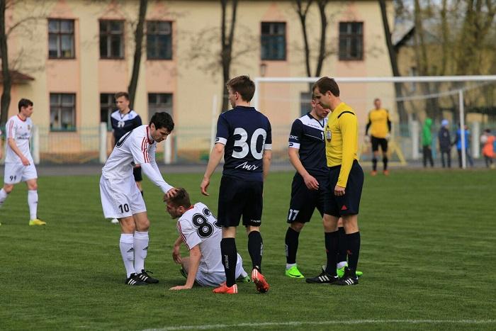 Футбольный матч Химик Луч 15.04.2017 травма