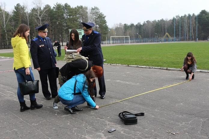 Следственный комитет учения место преступления криминал отмеряют рулеткой