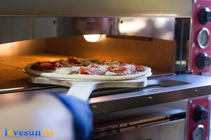 Пицца Мафия в печи готовка