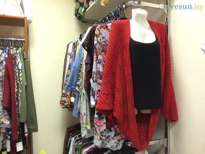 торговый центр Пассаж магазин товары женская одежда красная