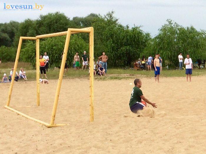 День молодёжи 24.06.2017 пляж песок футбол отбил мяч удар