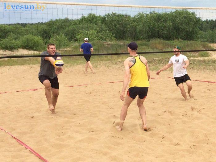 День молодёжи 24.06.2017 пляж песок волейбол сетка отбил