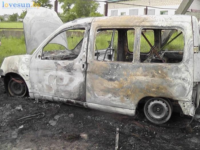 сгоревший автомобиль пежо партнёр белый 3