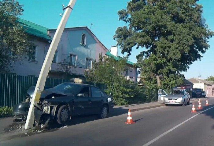 Хонда врезалась в столб в городе Речица ДТП 6