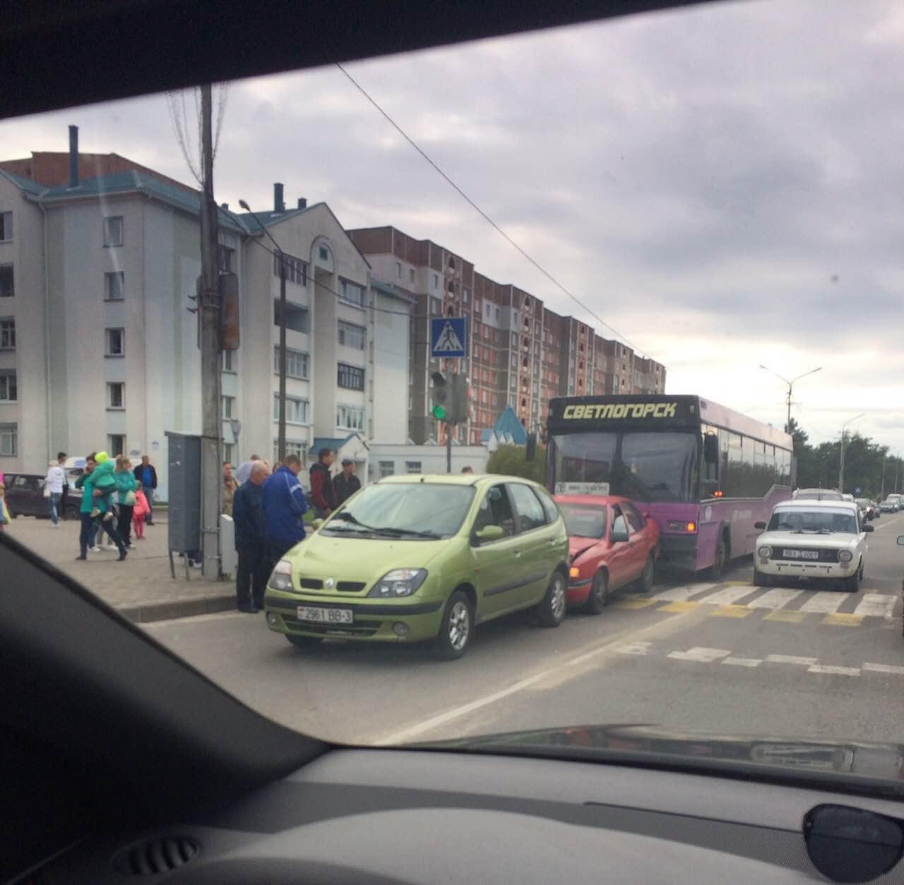 ДТП на пешеходном переходе на шестом