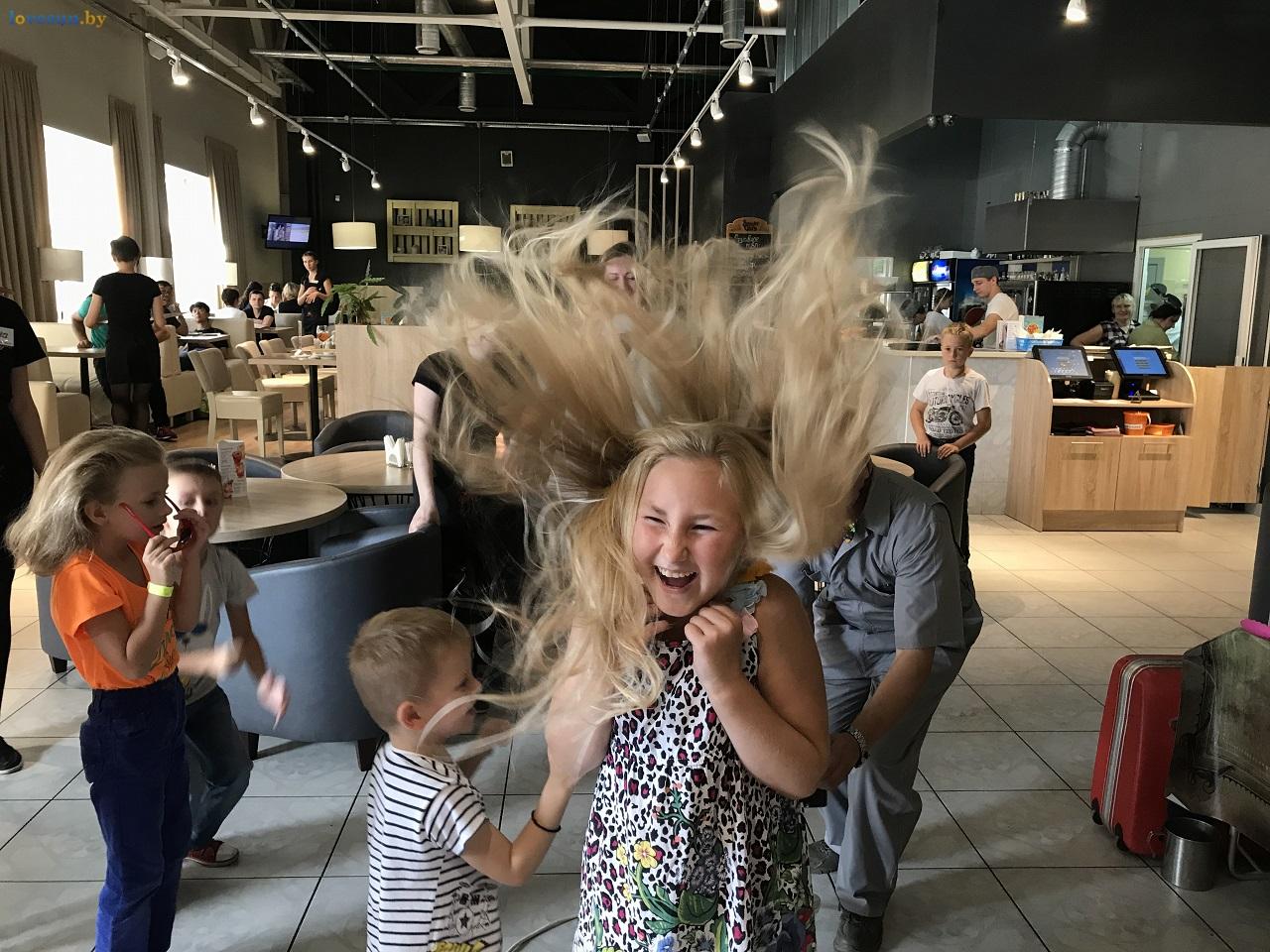 Научное кулинарное шоу в пицца смайл дети волосы